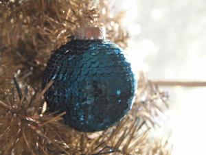 adorno-navidad-diy-bola-lentejuelas